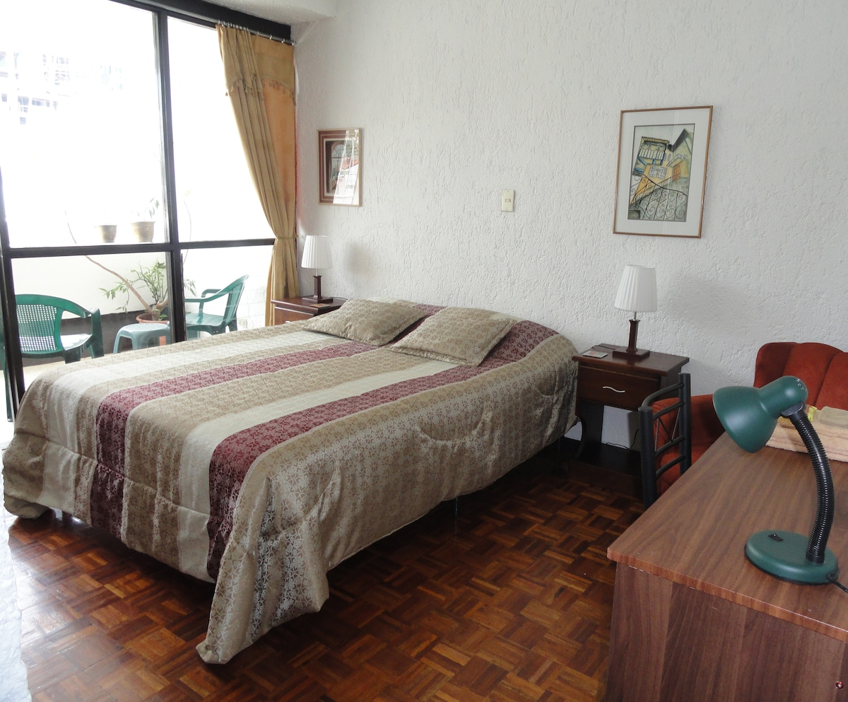 Superior room, queen-size bed, en-suite balcony, view 1