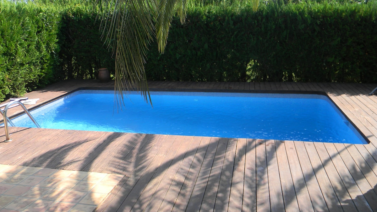 2 bedroom house and private pool(3)