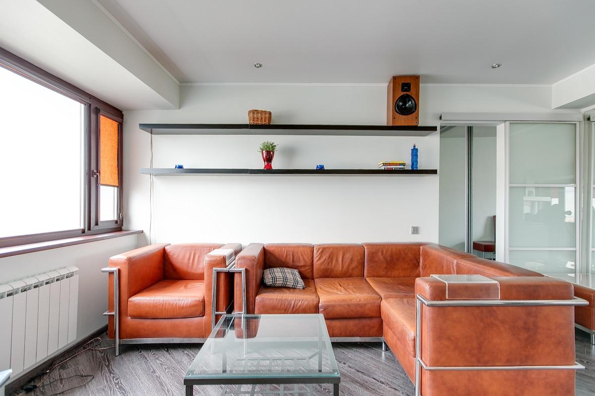 High tech apartment, romantic view