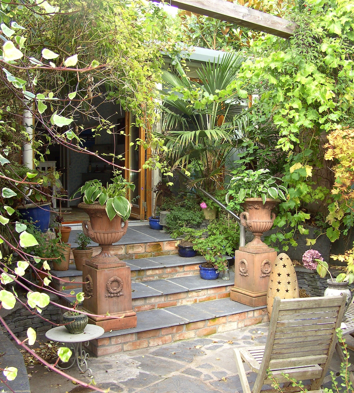Steps leading into Garden Studio