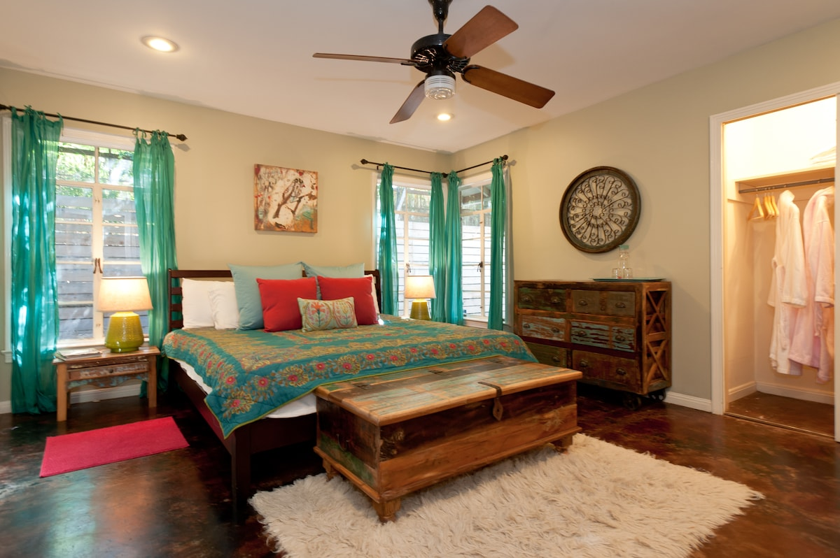 Huge master bedroom with en suite bath.  Extra touches include bath robes and water carafes