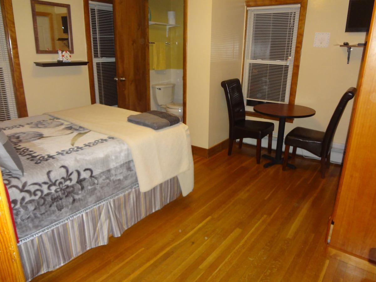 Somerville Private room