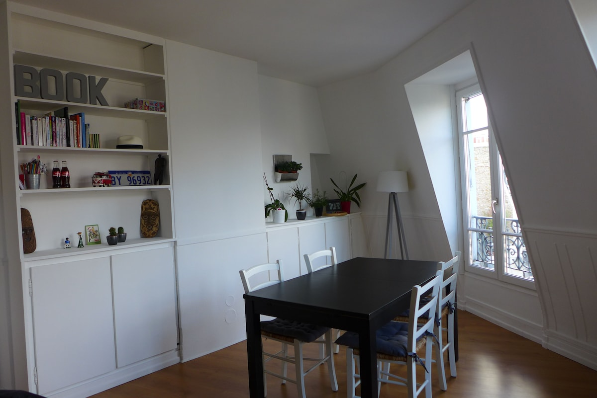 Amazing Apartment In Batignolles In Paris