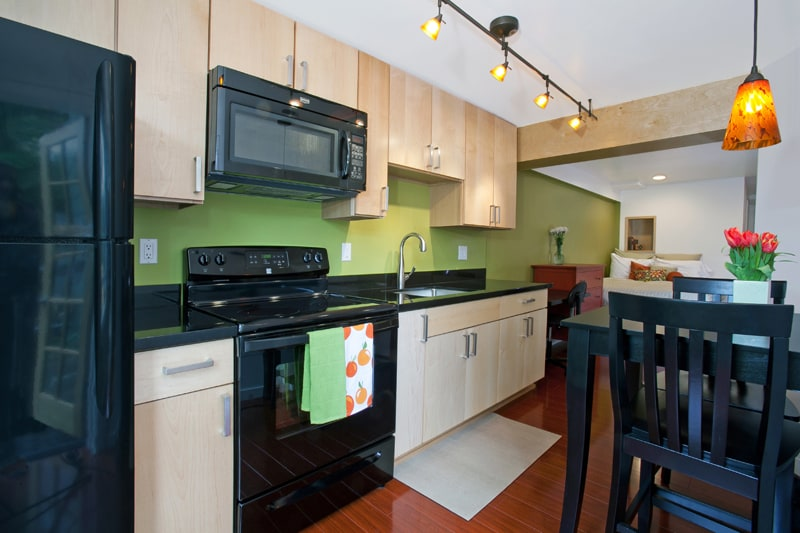 Fully-equipped kitchen: full size refrigerator, stove  and microwave oven; coffee maker and grinder; toaster and blender