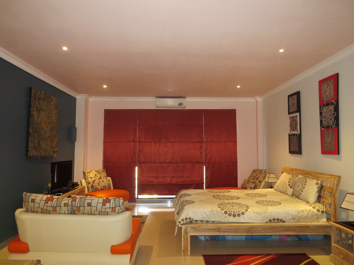 Stunning Fully Furnished Apartment3