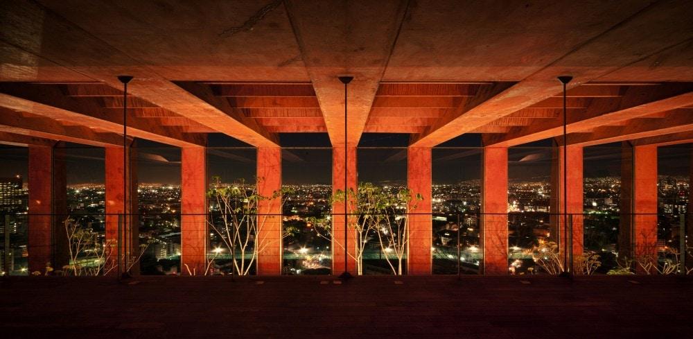 Amazing Loft @ Iconic Building R27