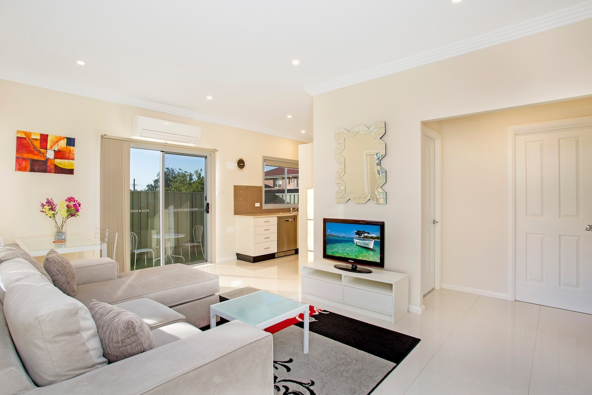 Modern Garden Villa Sydney Ryde