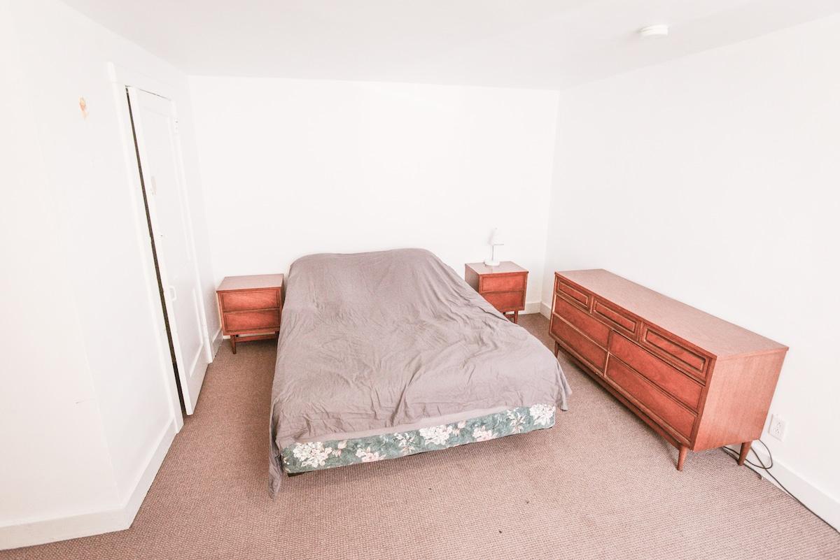 Bartlett Street Room 4