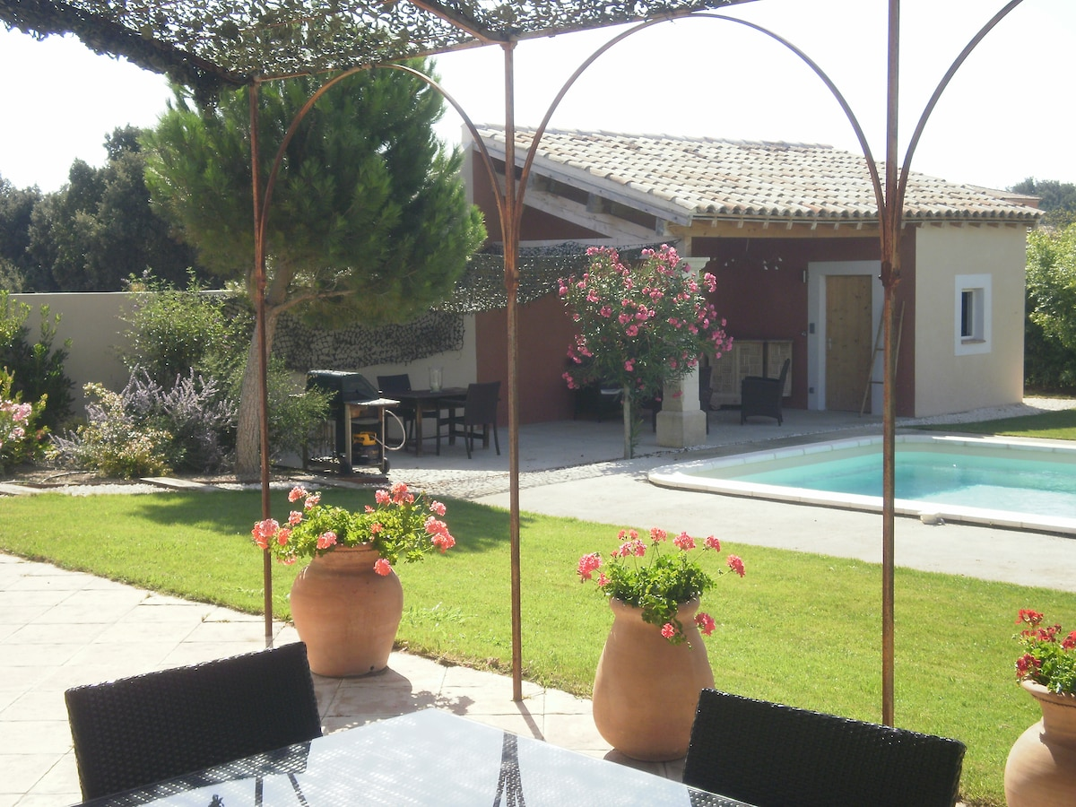 LOVELY HOUSE NEAR AVIGNON PROVENCE