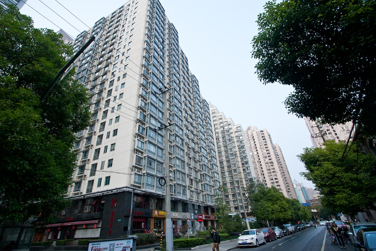 SPECIAL OFFER FOR APT NEAR SUBWAY