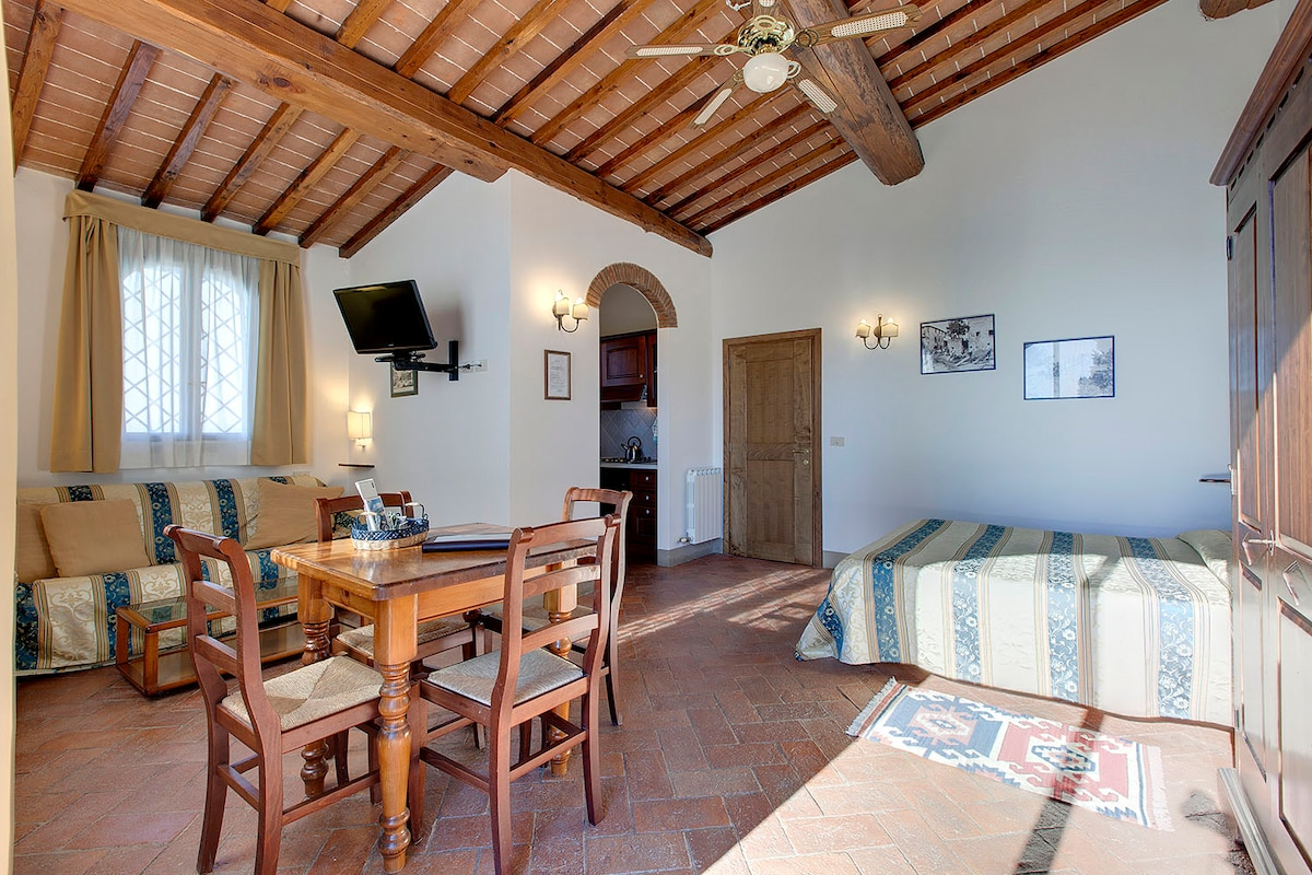Country house 9 kms to Florence-2+1