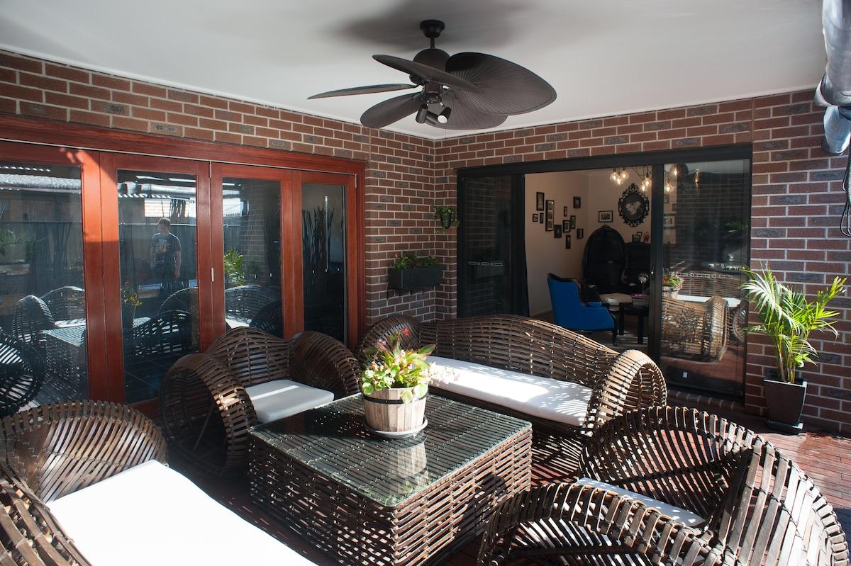 Outdoor alfresco and BBQ area