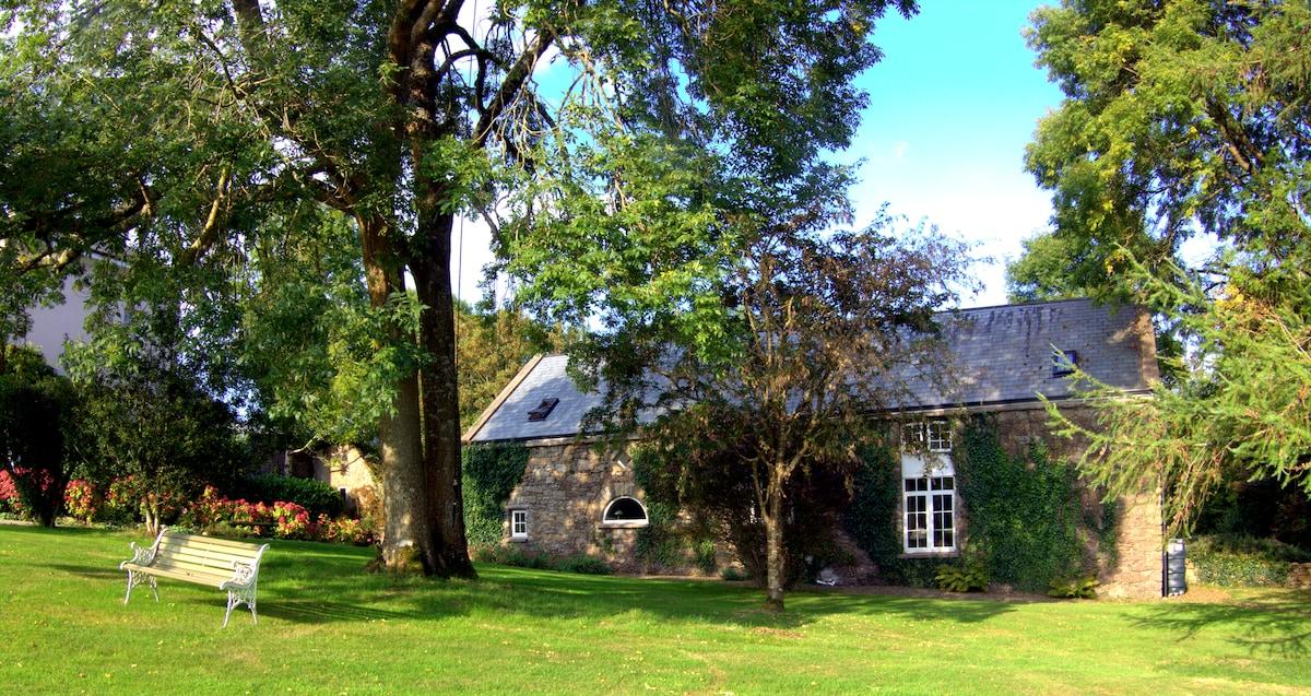 Delightful 18th Century Coach House