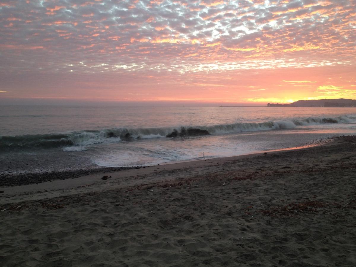 Apt Blocks to Beach - Capo Beach