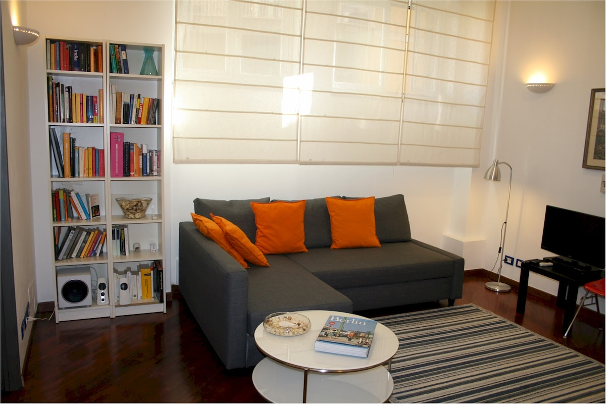 --  Modern with wooden floor all over the apartment - Wifi free - Air conditioning
