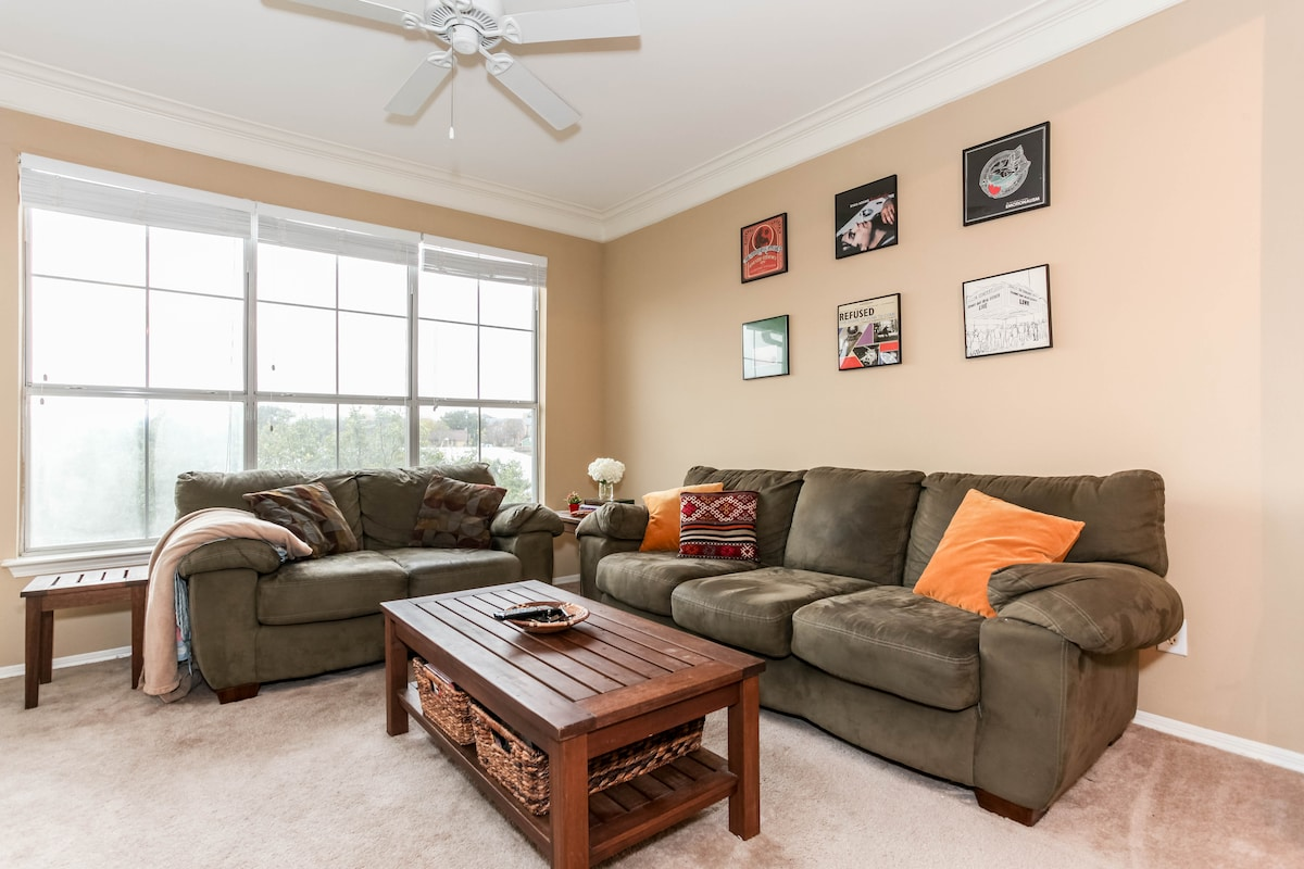 Perfect South Congress Location!