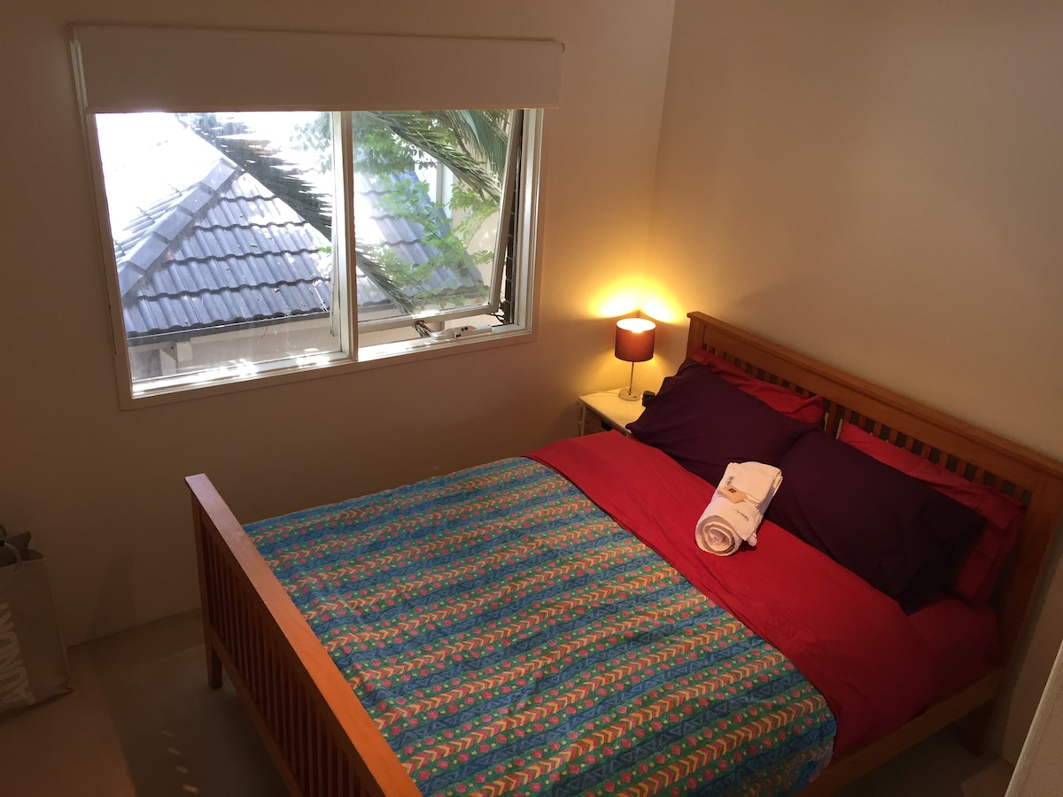 Comfortable room W modern amenities