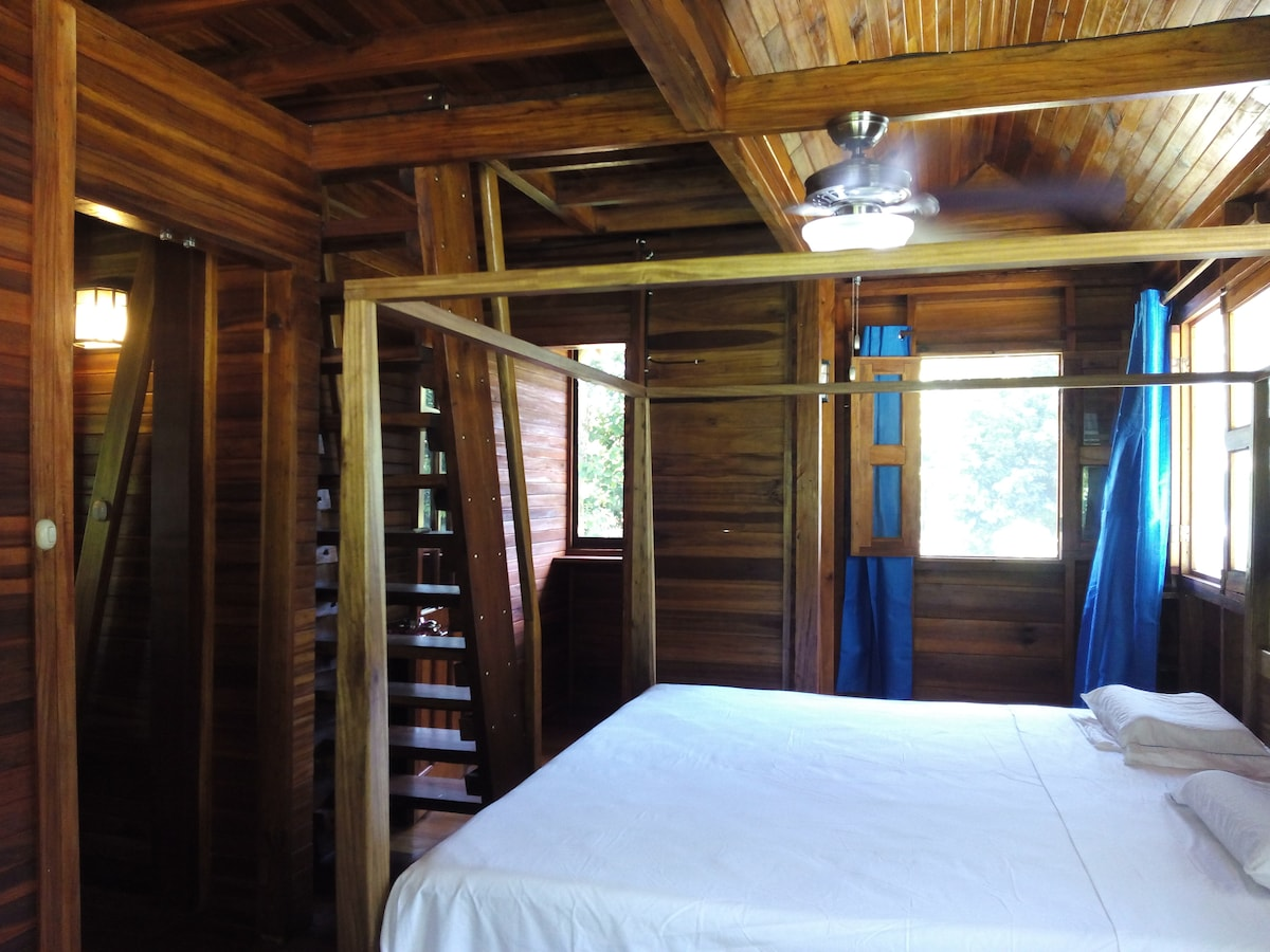 Large room, chalet all exotic wood