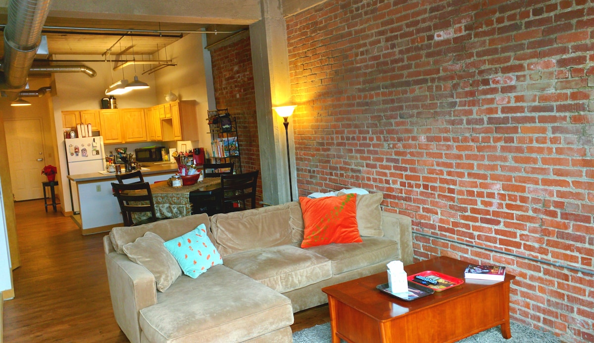 Downtown KC, MO Loft 2 bed/2 bath