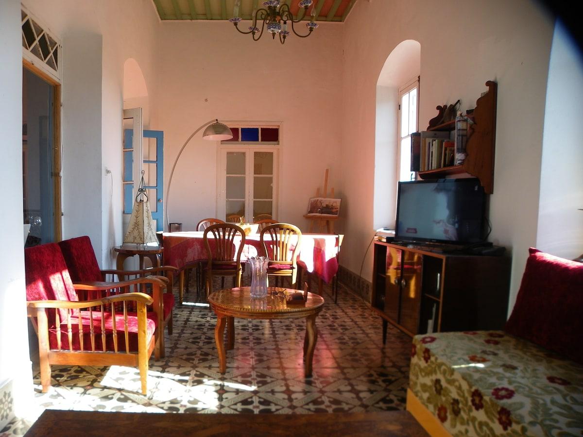 le salon avec vue sur la baie d'Essaouira