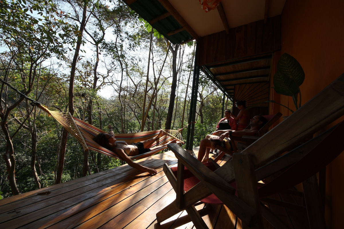 Jungle House - 1 bedroom twin bed
