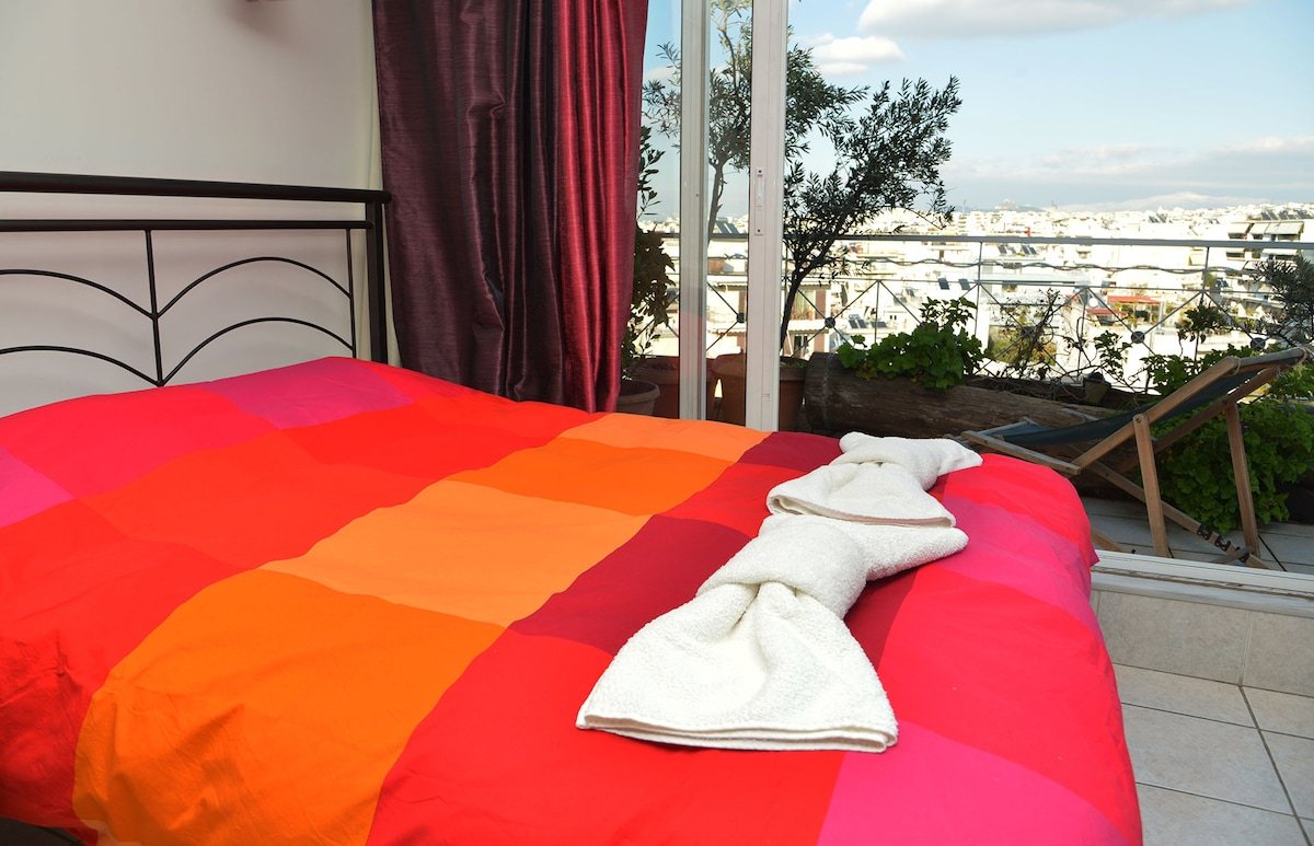 2015 -Our brand new real double bed with overview of Athens - Acropolis.