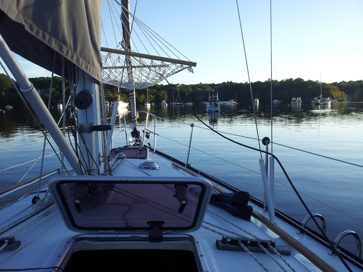 Sleep/Sail on a 35' Yacht in Mystic