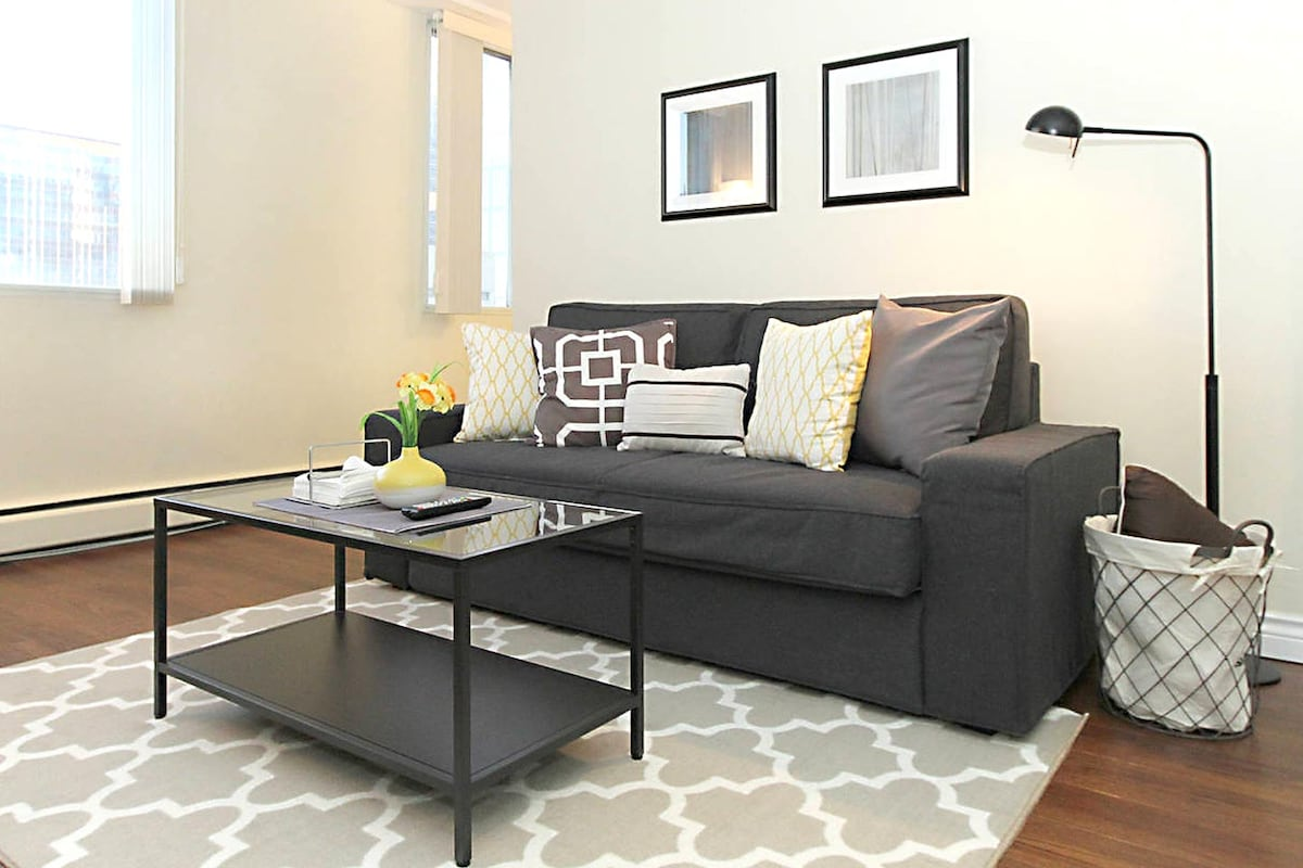 Executive 1BD in Downtown Core