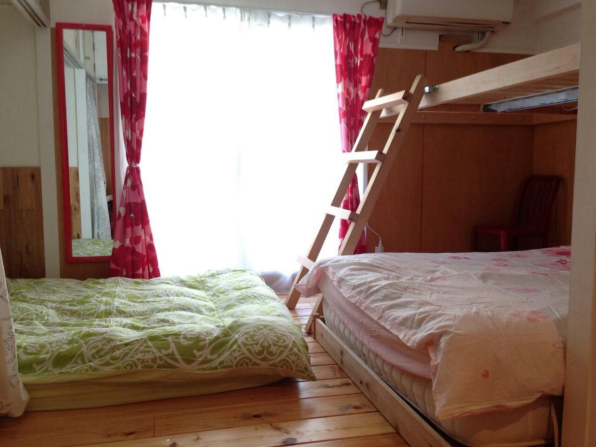 ShibuyaLOFT-3 beds-mobileWiFi2bikes
