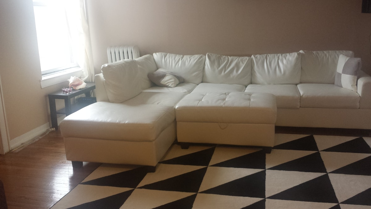 Astoria 1 br for rent, by Subway,