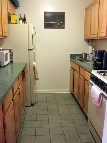 Full kitchen to your right as you enter