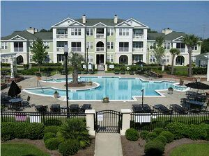 Condo w/pool&gym!Owner rarely home!