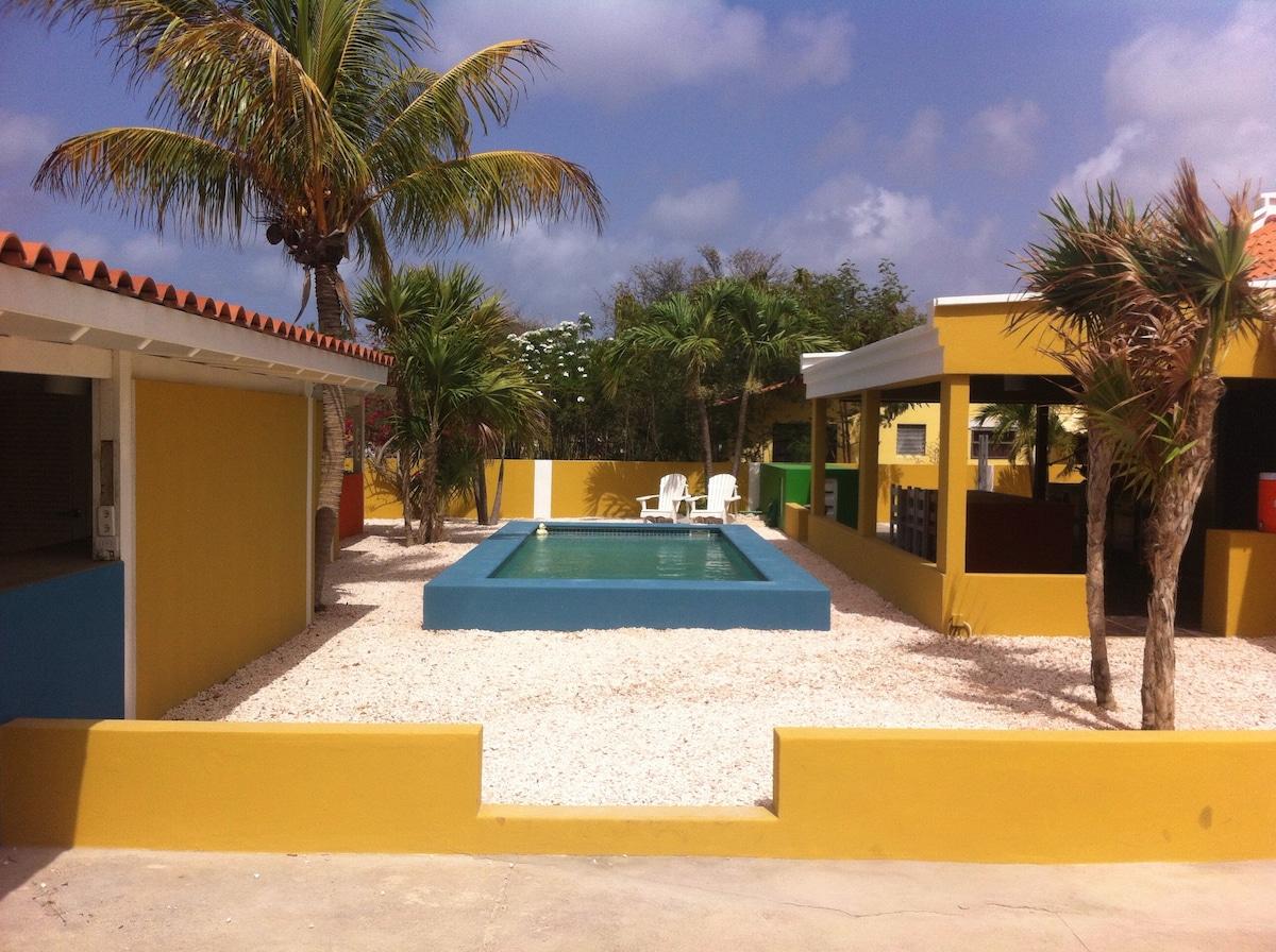 Caribische Appartementen te huur!