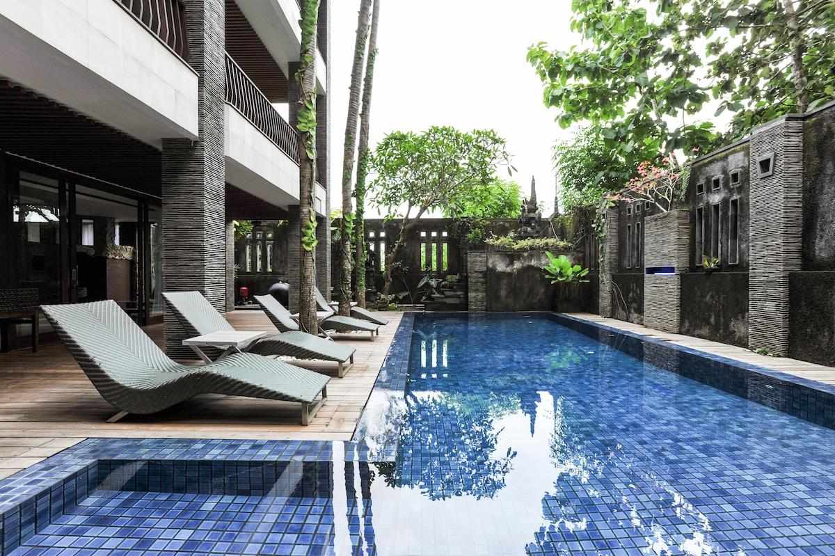 Exquisite Master Bedroom villa