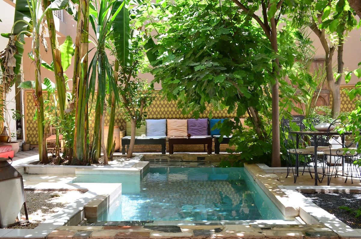 So Cheap So Chic Riad with pool