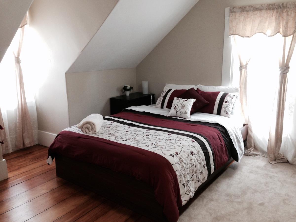 Lovely & Charming Bedroom