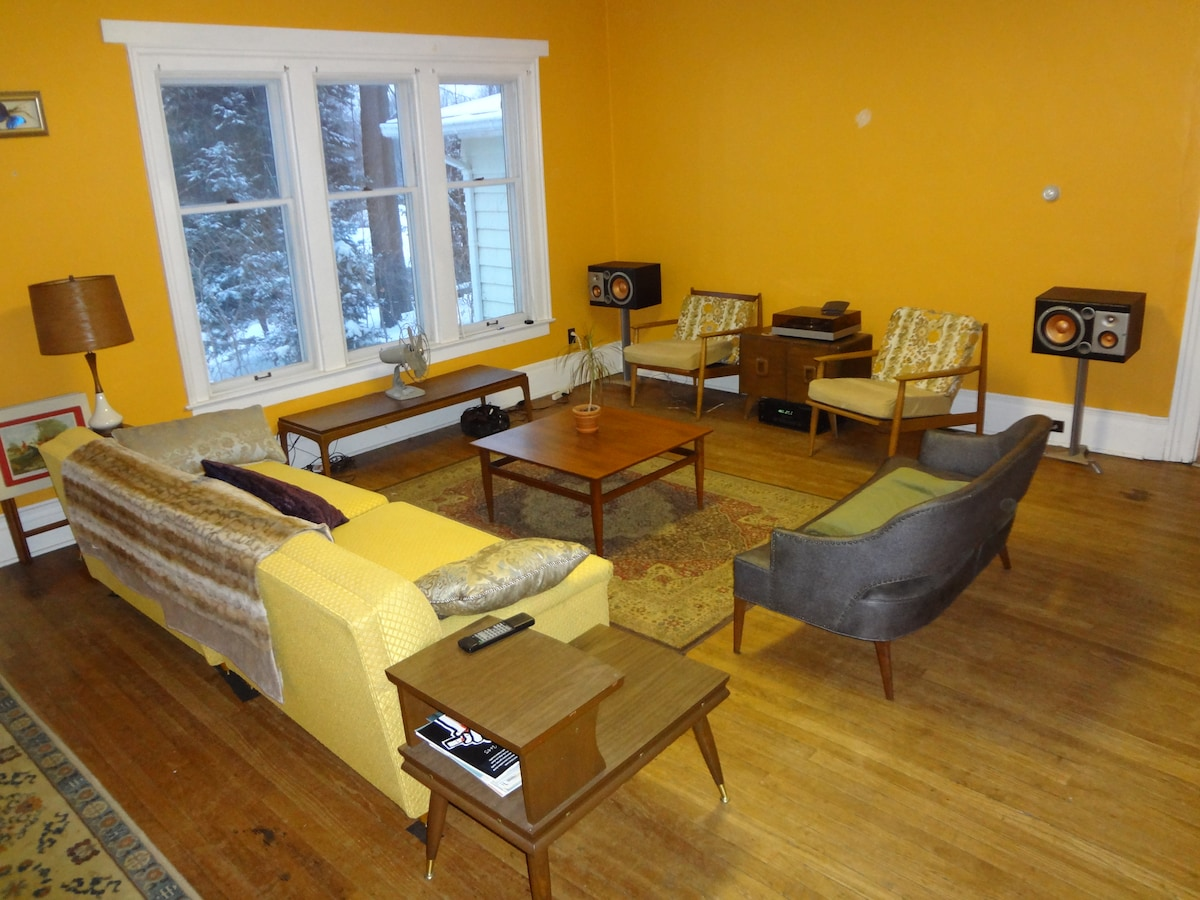 1BD in Historic Ann Arbor Home