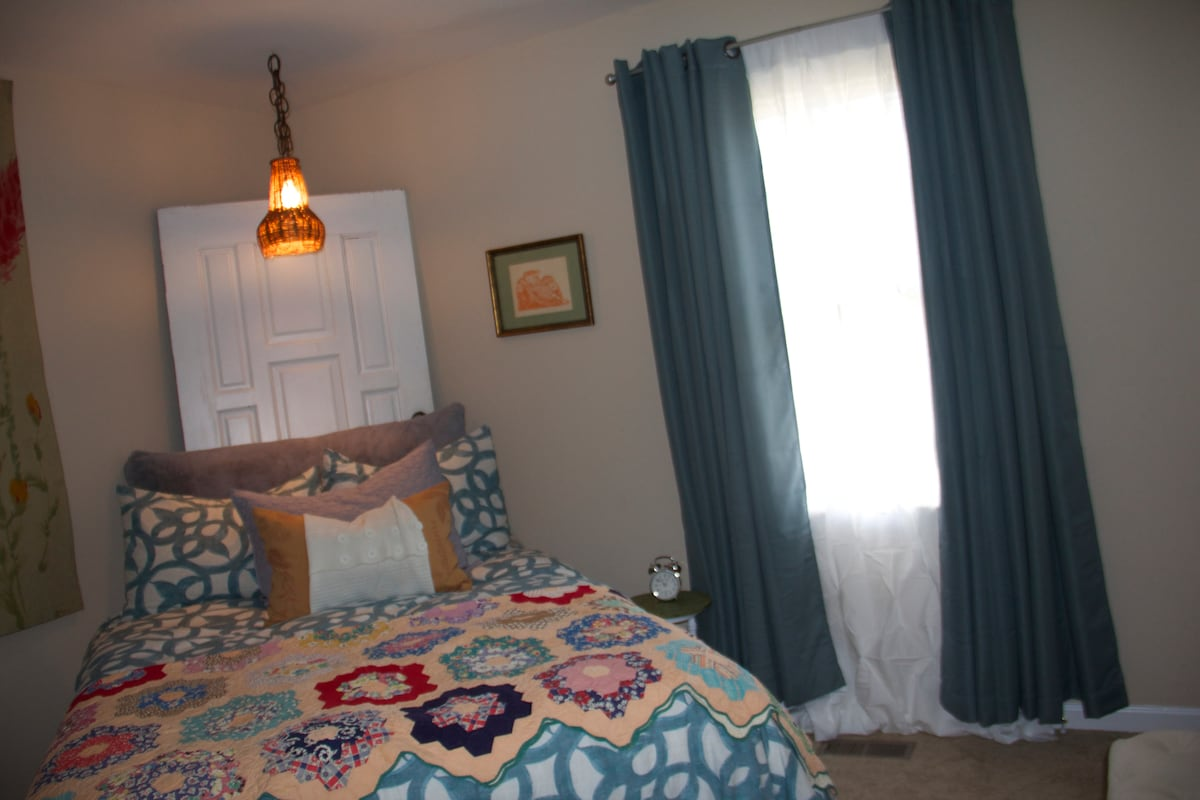 Eclectic E.Raleigh 2bedroom Near DT