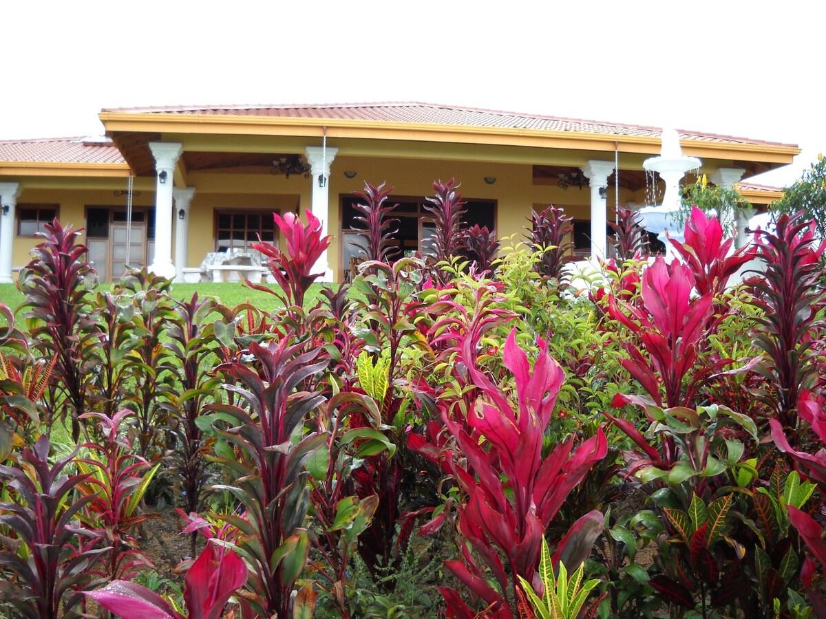 Costa Rica Mountain House -San Vito
