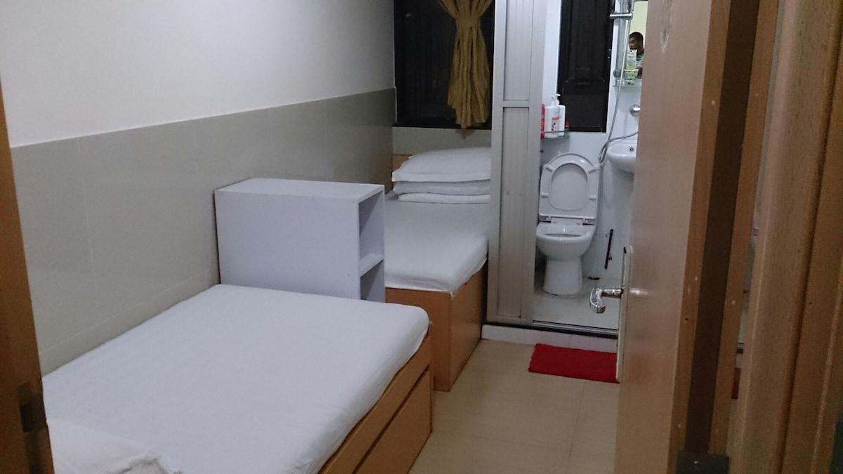 2 people room