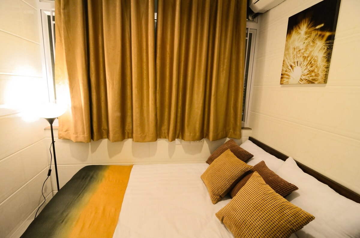 Garden Hotel-Double/Twins bed room