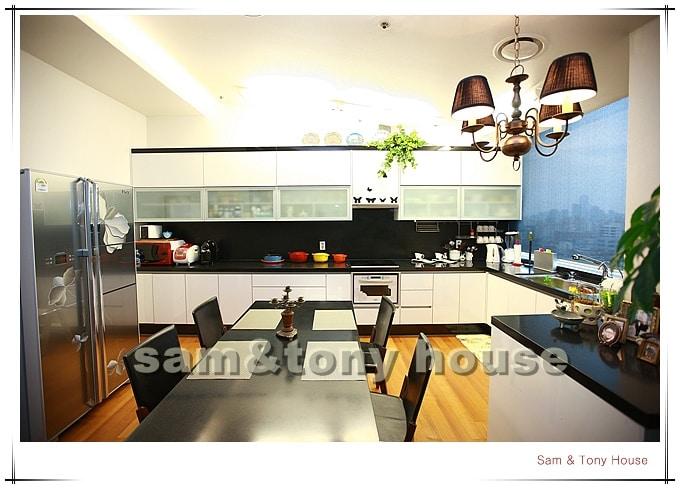 shinchon, luxury comfortable house
