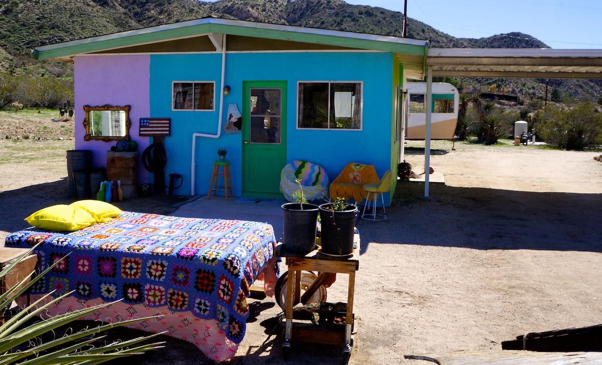 Cozy Solar Powered Artist's Cabin