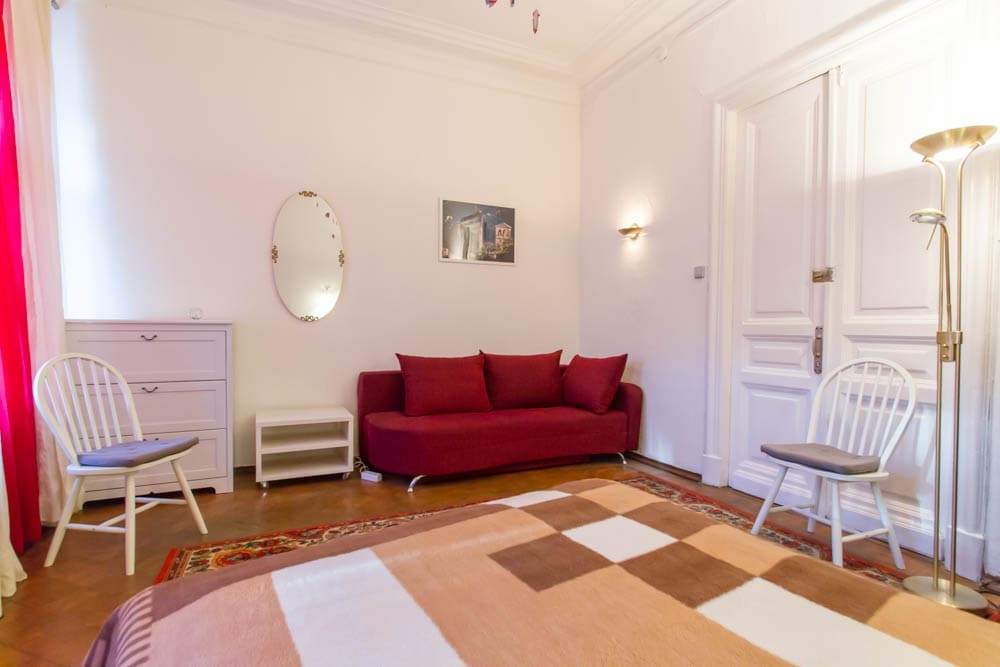 2 private rooms, heart of Moscow