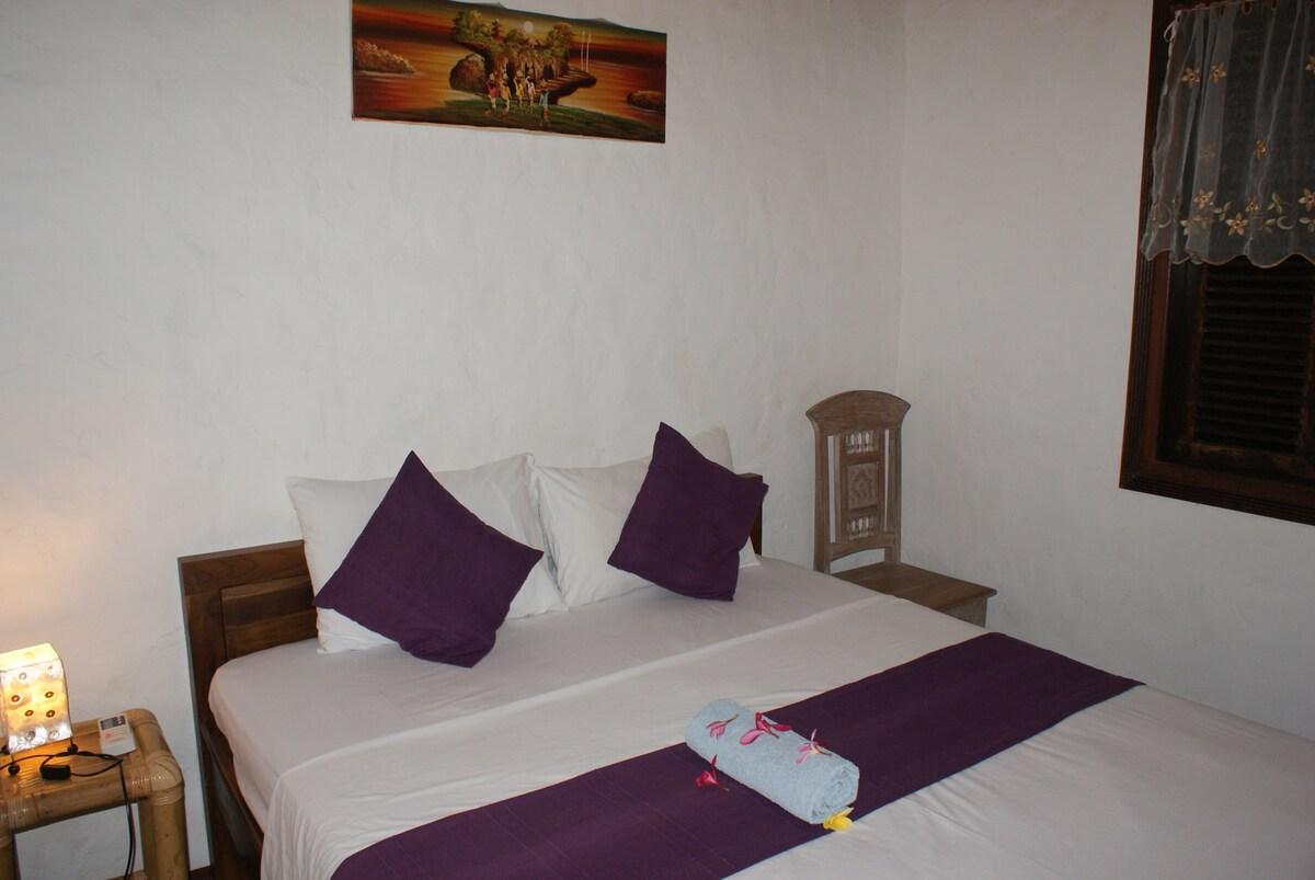 Room in Wooden Villa great location
