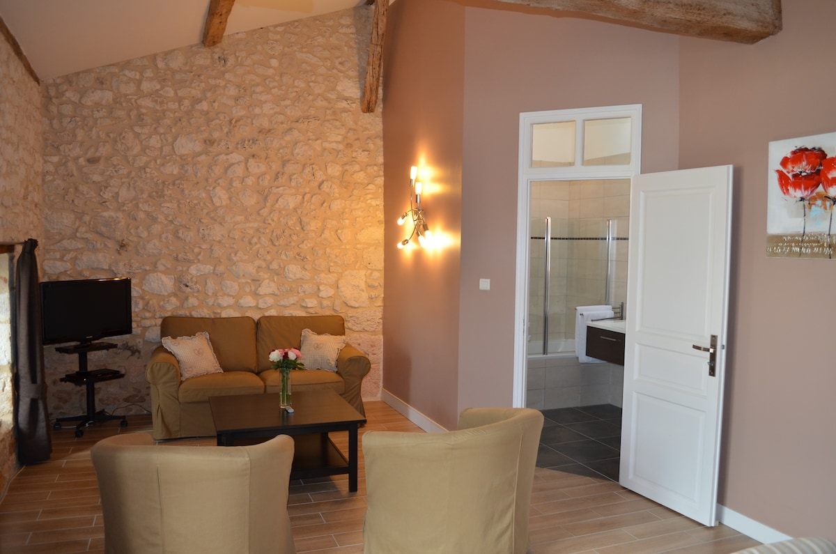 Luxury and charm PAUILLAC Suite