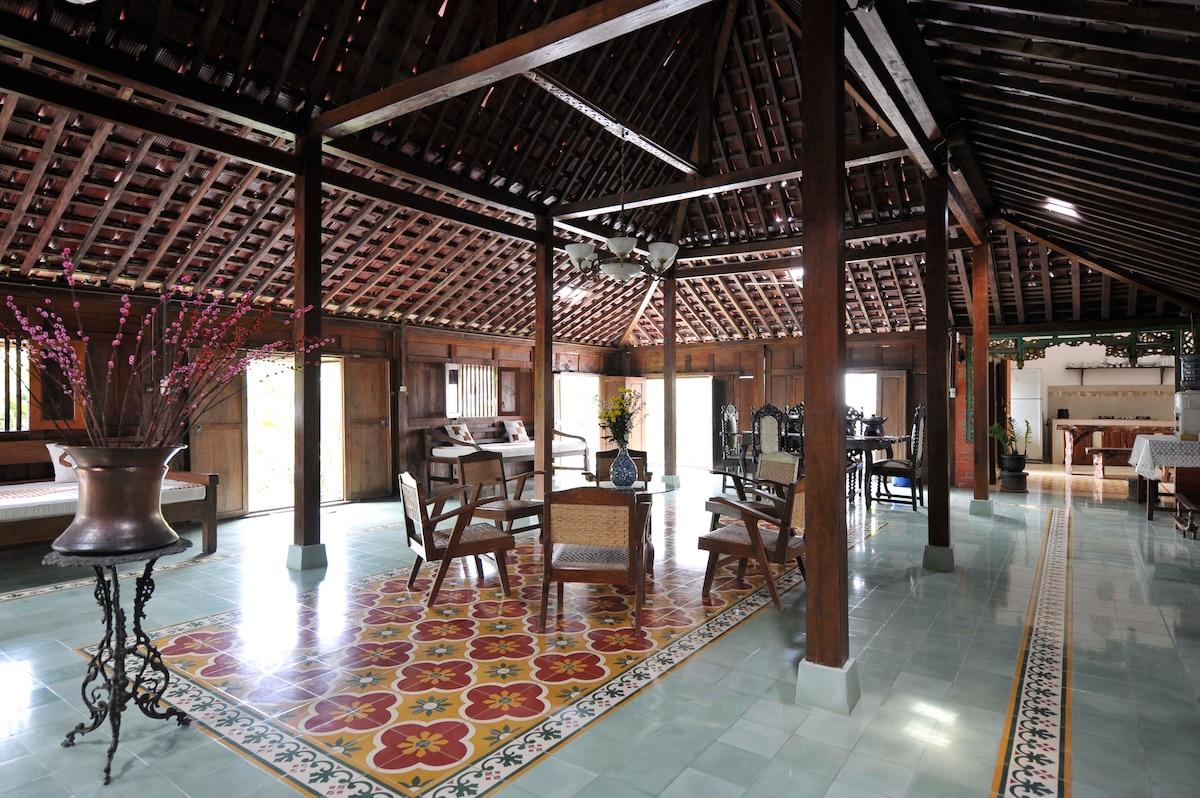 Ethnic Room @Javanese Wooden House