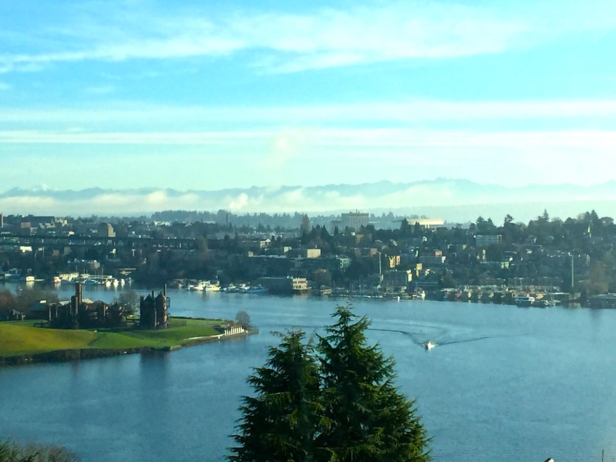 The Gallery - Lake Union View Room