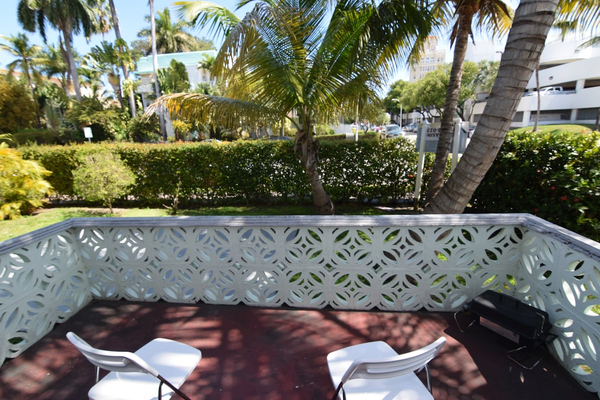 Charm 2BR at 5min to the beach