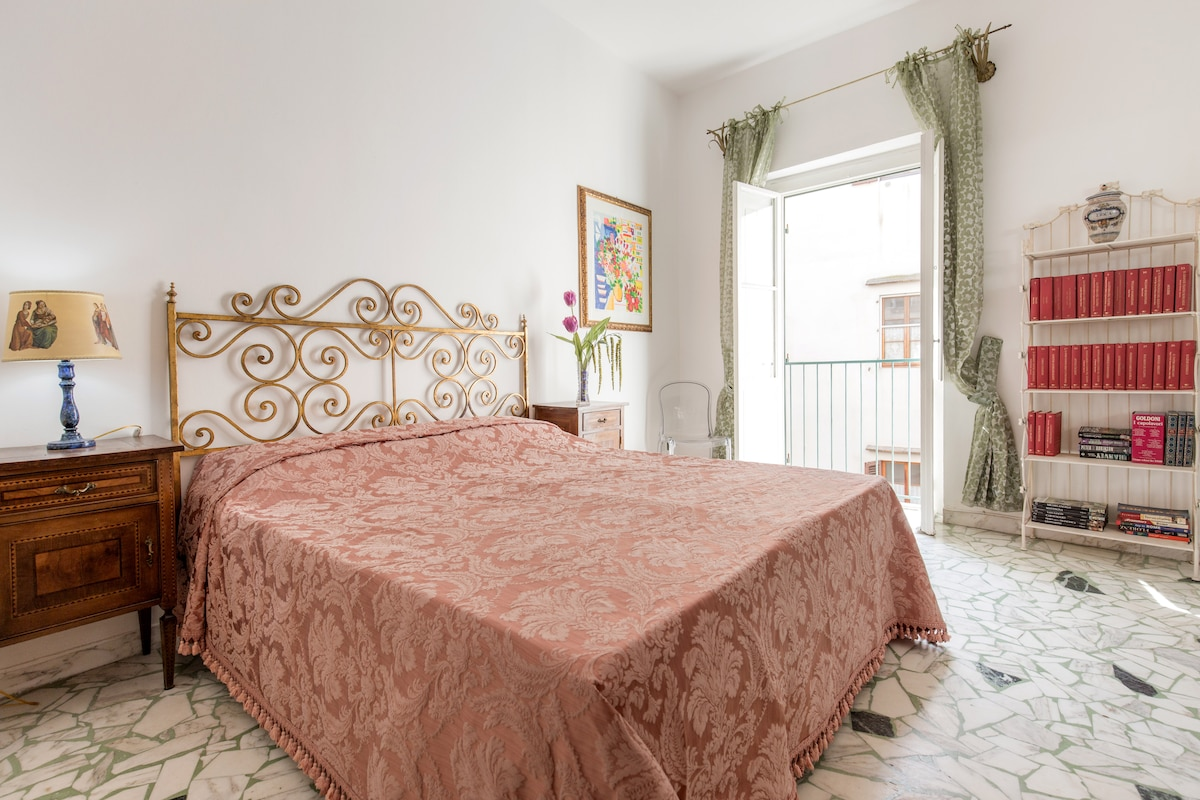 YOUR SUITE IN SANTA CROCE SQUARE